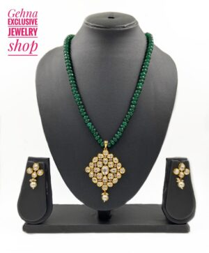 Golden Kundan Pendant Set