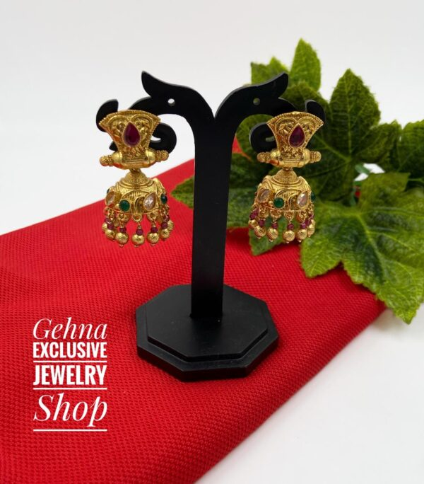 weight less golden earrings