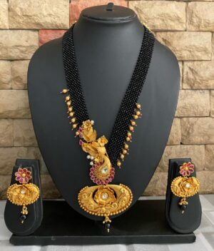 Antique Golden Necklace Set