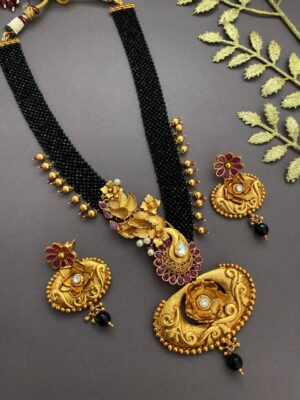 Latest gold necklace sets