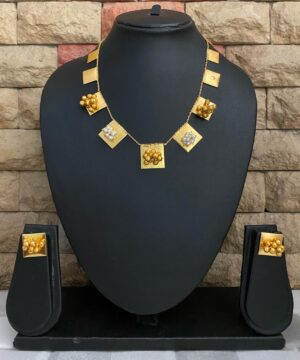 Light weight tribal look necklace set