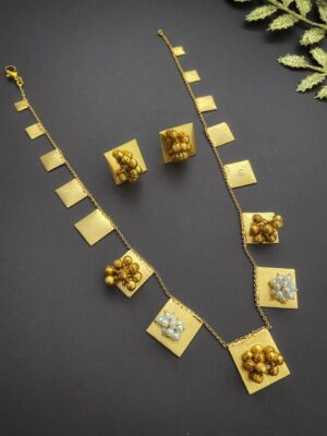 Light weight Trival look Golden Necklace