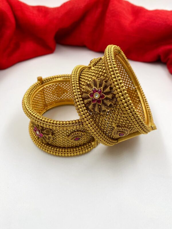 Imitation Golden Wedding Bangles