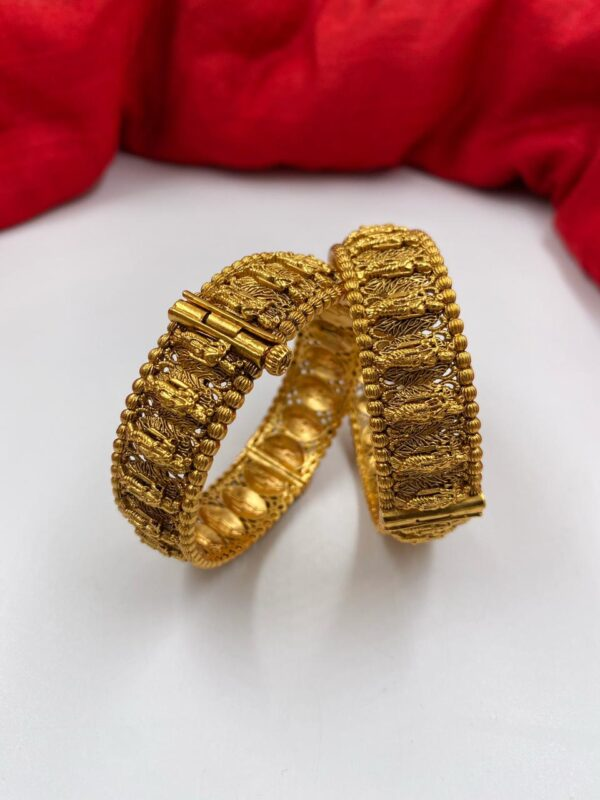 latest south indian bangles